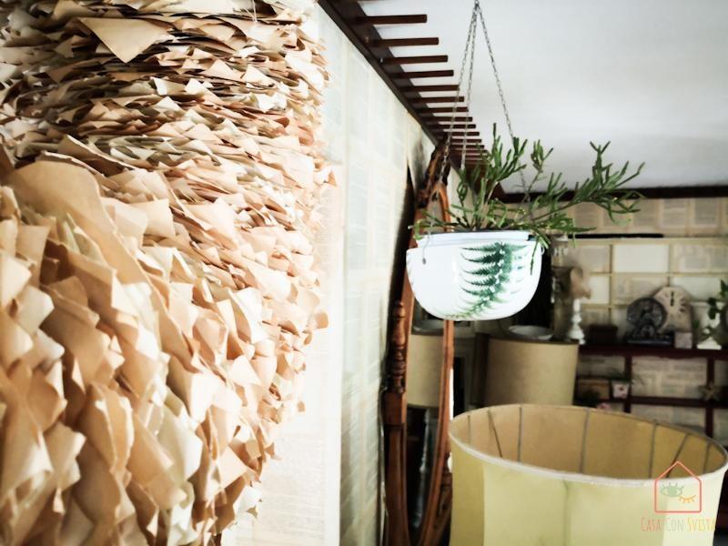 Ingresso dettaglio ghirlanda décor e vaso sospeso