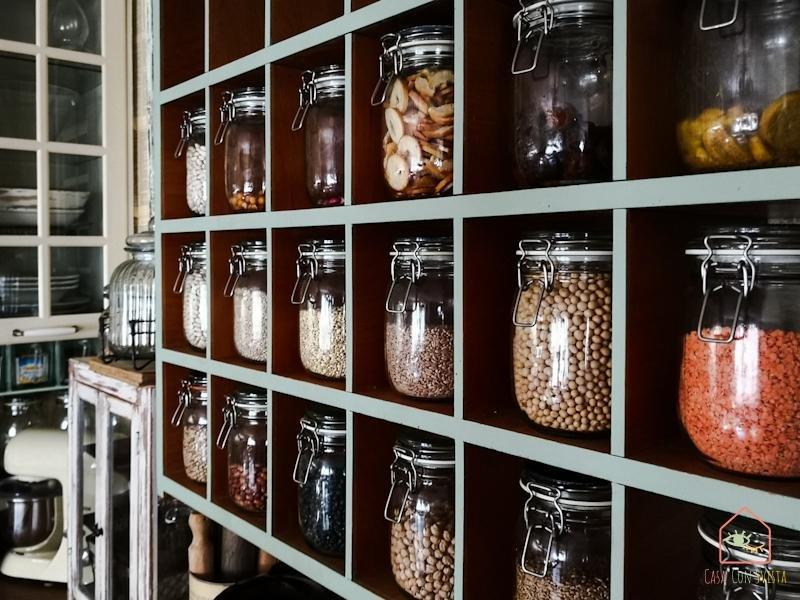 Cucina Schedario Vasi dettaglio