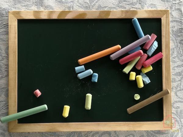 Chalkboard-playroom-diy5