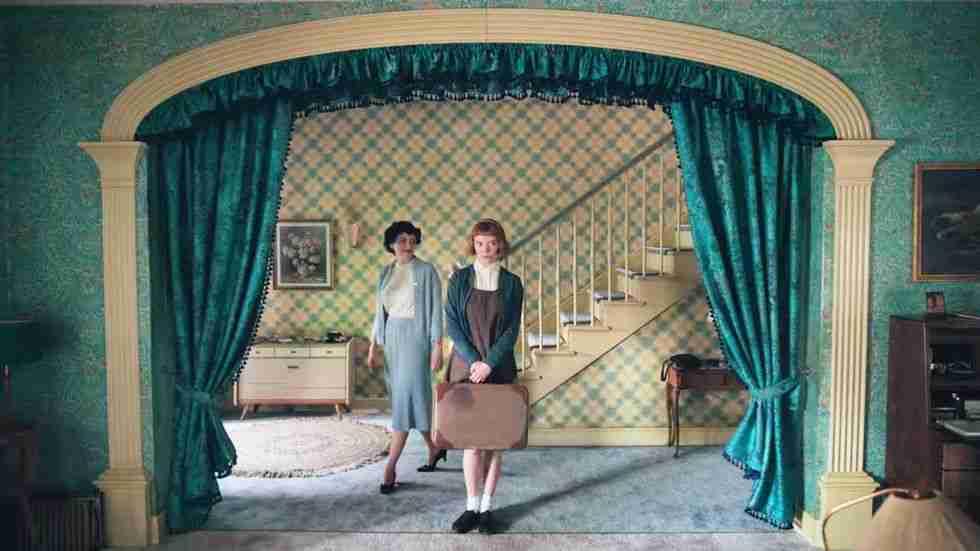 regina-scacchi-netflix-interni-ingresso-casa