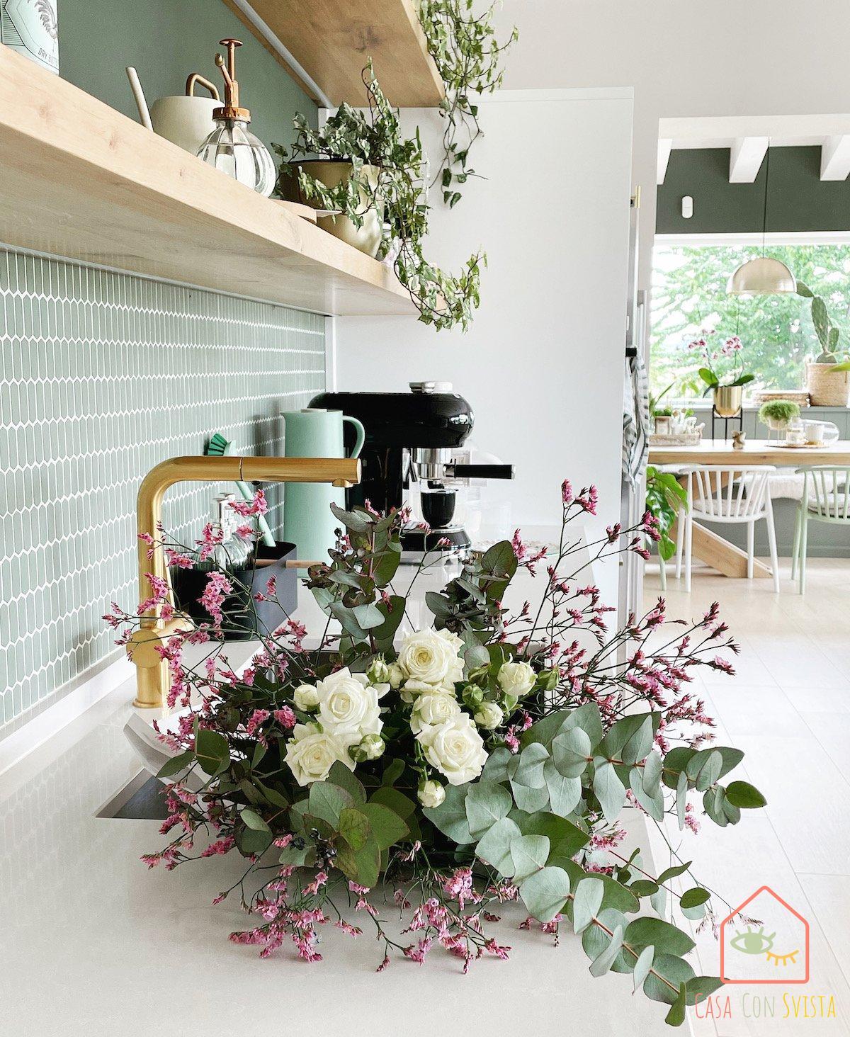 piano-cucina-casa-verde-salvia